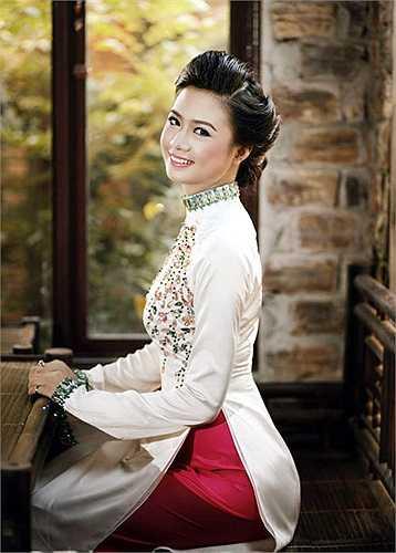 Người đẹp Trần Thúy Hạnh