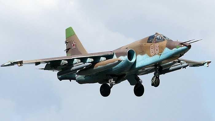 Máy bay chiến đấu 1 phi công Su-25SM
