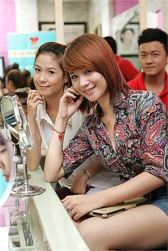 Những nữ sinh xinh xắn của Facelook 2012