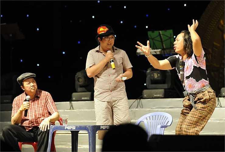 Các nghệ sĩ hài: Bảo Quốc - Gia Bảo - Trung Dân với tiểu phẩm hài kịch Quán cafe