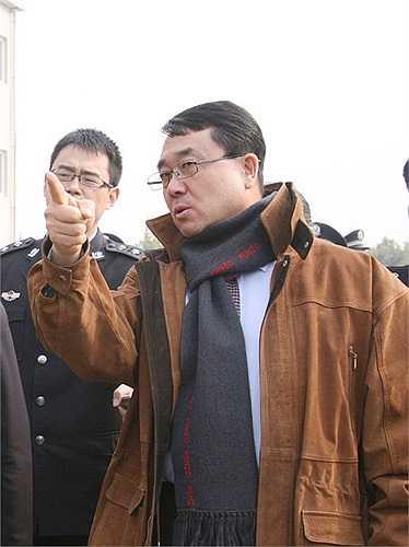 Vương Lập Quân nhận chức Giám đốc công an Trùng Khánh hôm 5/3/2011