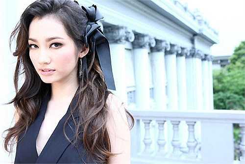 Trúc Diễm được ví như công chúa Bạch Tuyết với làn da trắng mịn và vẻ đẹp thiên thần.