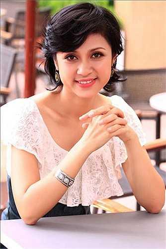 Người đẹp lừng danh một thời của màn ảnh Việt Nam Việt Trinh với vẻ đẹp khó lẫn.
