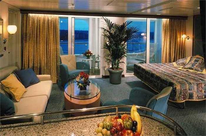 Không gian ấm cúng bên trong một phòng ngủ dành cho khách.