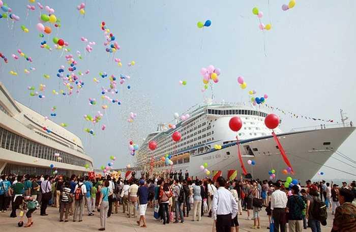 Khung cảnh lộng lẫy ở cảng Thiên Tân khi Voyager of the Seas cập bến hôm 9/9.