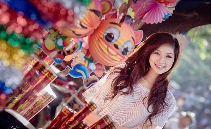Lê Thị Vân Anh sinh năm 1993, sở hữu chiều cao 1m70, cân nặng 53 kg, số đo: 86-65-90