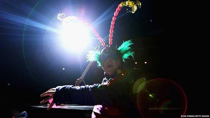 Một diễn viên xiếc Trung Quốc trong buổi tổng duyệt trước khi diễn tại Sydney, Australia