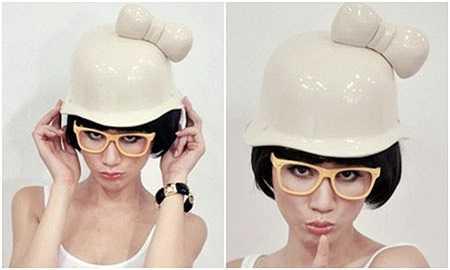 Trang Trần xấu lạ với kiểu đeo kính không giống ai.