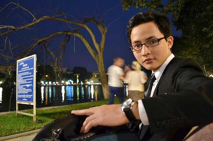 Thầy Minh hiện là giảng viên trường ĐH Kiến Trúc Hà Nội, giáo viên trường THPT dân lập Lương Thế Vinh (Hà Nội).