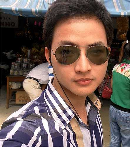 Thầy Minh còn tham gia làm MC cho một số chương trình và làm người mẫu ảnh tự do.