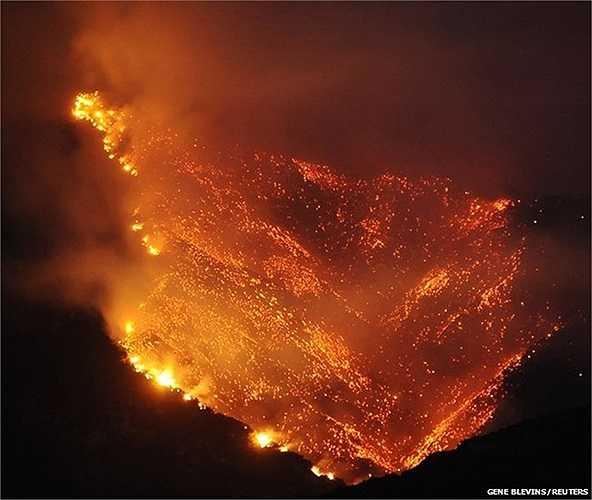 Đám cháy rừng khổng lồ trong những ngày cuối tuần vừa qua tại Los Angeles, Mỹ