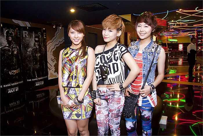 Nhóm nhạc nữ Lady Q gồm 3 cô gái cá tính