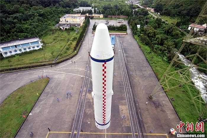 Hai vệ tinh này có kích thước, trọng lượng và tính năng như nhau