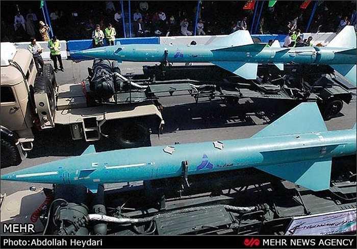 Cuộc duyệt binh tưởng nhớ cuộc chiến tranh Iran - Iraq (1980-1988)