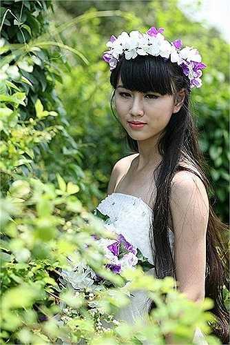 Không chỉ học giỏi Văn, Bích Thảo còn là cựu học sinh lớp chuyên Nga - trường THPT chuyên Nguyễn Huệ.