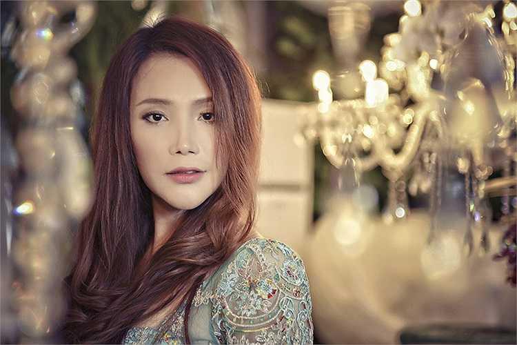 Hồ Quỳnh Hương đang được chờ đợi ở ghế giám khảo X- Factor, một chương trình truyền hình thực tế về âm nhạc đang rất hot.