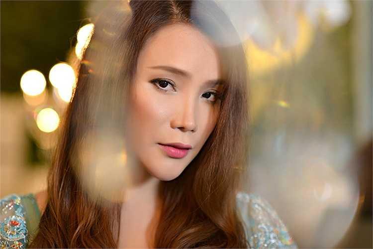 Hồ Quỳnh Hương đã có nhiều kế hoạch lớn khi quyết đinh trở lại showbiz sau một thời gian dài 'ở ẩn'.