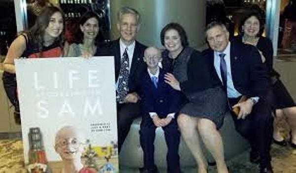 Sam đã cho thế giới hiểu rõ hơn về căn bệnh lão hóa, cậu cũng đã dạy cho chúng ta cách làm chủ cuộc đời, những lời chia sẻ chân tình được đông đảo người hâm mộ gửi đến Sam và gia đình của cậu.