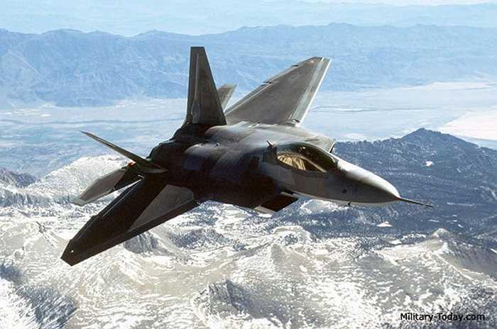 F-22 Raptor (Chim ăn thịt) là một máy bay tiêm kích thế hệ thứ 5 sử dụng kỹ thuật tàng hình thế hệ 4