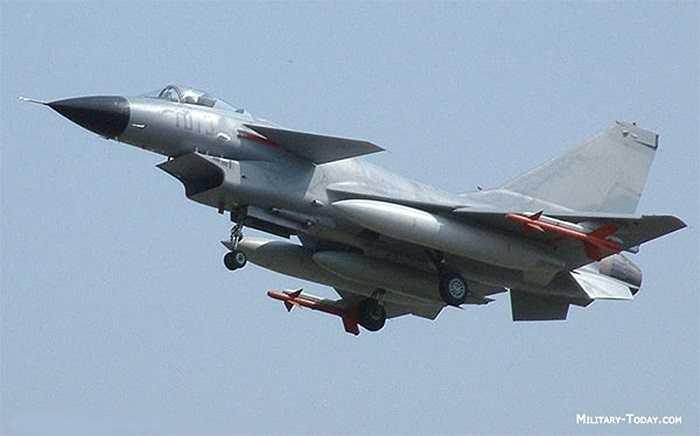 Tiêm kích đa nhiệm vụ J-10 do Trung Quốc và Israel phối hợp sản xuât