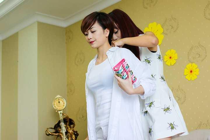 Đây là ca khúc mới được đặt hàng Bee T dành riêng cho chương trình Gala nhạc Việt - Hương Sắc Tết Việt và sau đó được cả ê-kíp lựa chọn để thực hiện MV chung.