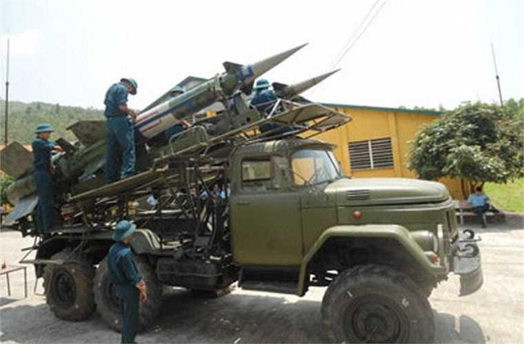 Theo các nguồn tin không chính thức, lực lượng phòng không Việt Nam có khoảng 100 bệ phóng tên lửa S-125 cùng với 1.500 đạn tên lửa. Được nâng cấp lên tiêu chuẩn S-125-2TM, S-125 của Việt Nam sẽ nâng cao hơn nữa khả năng tác chiến.