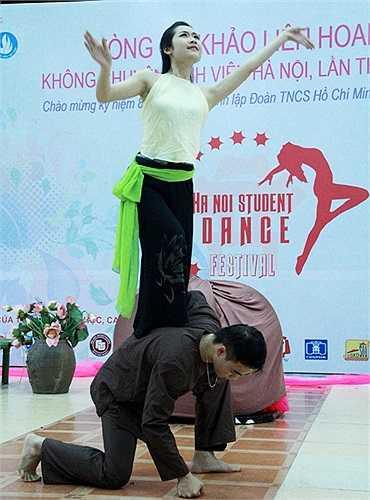Nhiều tiết mục múa còn mang tư tưởng nghệ thuật rất đáng phải suy ngẫm