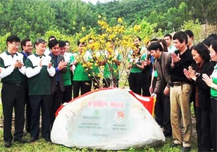 Vào chiều 18/3, Huyện đoàn Quảng Trạch (Quảng Bình) đã tổ chức lễ đặt bảng tên và bàn giao vườn mai cho gia đình cùng ban quản lý khu mộ Đại tướng chăm sóc. Vườn mai có diện tích khoảng 1.000m2, sát đường lên mộ Đại tướng.
