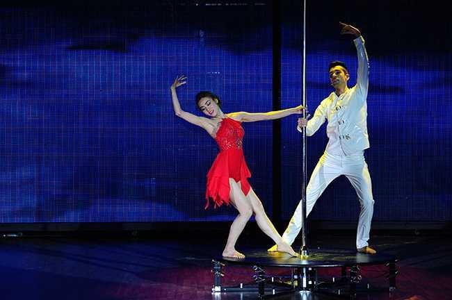 Trong đêm liveshow 9 (đêm trước chung kết) với chủ đề 'Các điệu nhảy dân gian, truyền thống và điệu nhảy phối hợp với khách mời', Ngân Khánh đã thực sự bùng nổ với màn múa cột xuất sắc.