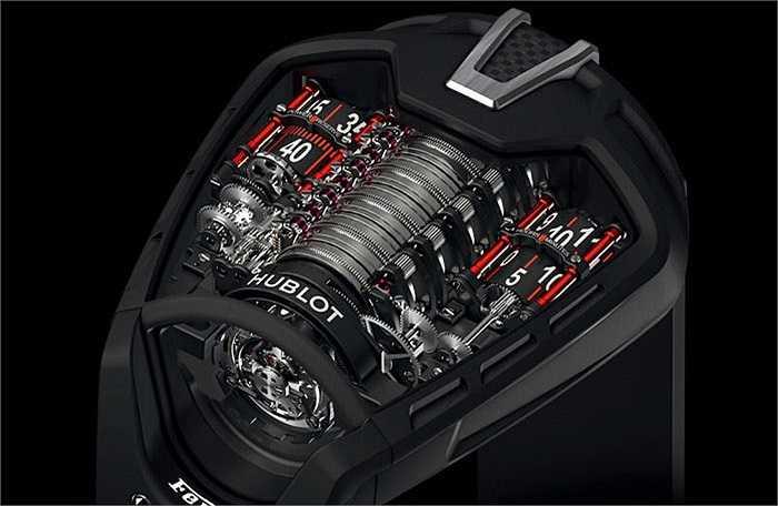 Kết hợp cùng thương hiệu đồng hồ nổi tiếng Hublot, Ferrari trình làng mẫu đồng hồ Hublot MP-05 LaFerrari với giá lên tới 300.000 USD, đắt ngang ngửa 1 chiếc siêu xe đời mới. Chiếc đồng hồ siêu đắt này có không dưới 675 chi tiết được chế tác tinh xảo trong đó mặt đồng hồ được nạm đá sapphire crystal.