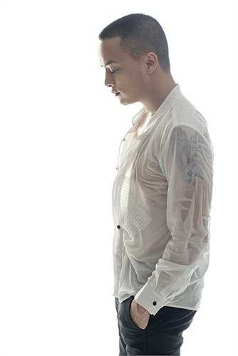 Tên tuổi của anh gắn liền với nhiều ca khúc được giới trẻ yêu thích như Con đường mưa, Chạm tay vào điều ước, Pha lê tím,...