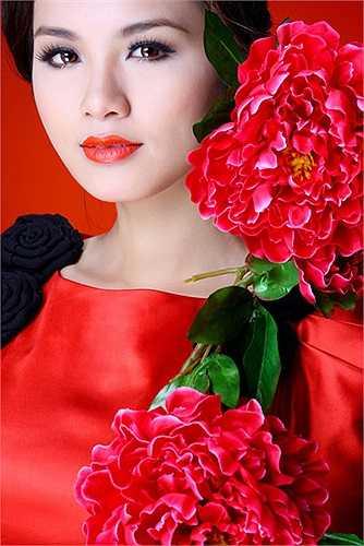Diễm Hương cũng nói rằng, đám cưới là ngày vui, chính vì thế nếu tổ chức đám cưới, cô sẽ chụp thật nhiều ảnh để chia sẻ với người hâm mộ.