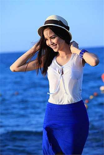 Nhưng ngay lập tức, Diễm Hương cho rằng cô phải đối mặt với rất nhiều scandal và đây là scandal lớn nhất mà cô không biết nó rơi từ đâu xuống.