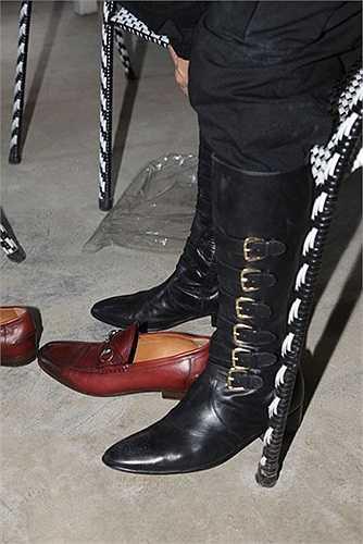 Mr Đàm rất thích boot cao gối