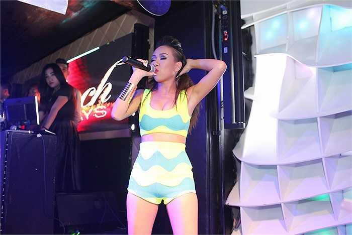Đến dự tiệc lần này cùng với Thảo Trang còn có siêu mẫu Hà Anh.