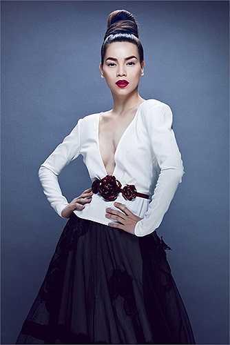 'Soi' nhà sang của hai nữ ca sỹ họ Hồ: