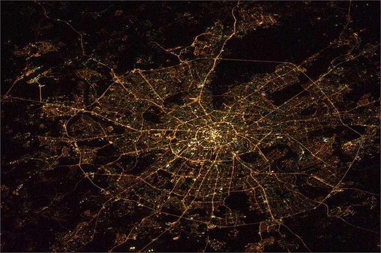 Thủ đô Matxcơva sáng rực trong đêm