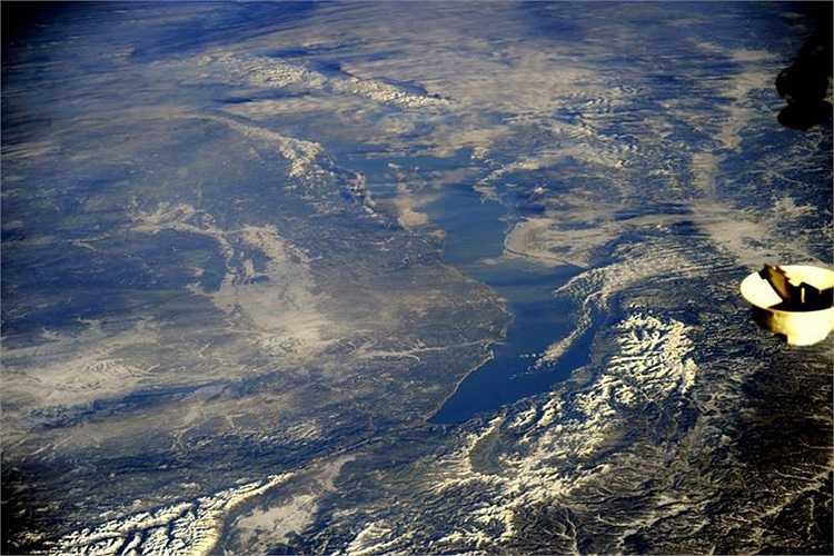 Hồ nước ngọt khổng lồ Baikal chụp từ trạm vũ trụ quốc tế