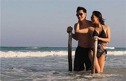 MC Nguyễn Cao Kỳ Duyên mới đây khiến người hâm mộ choáng ngợp vì khoe thân hình nóng bỏng trong mẫu áo bơi sexy