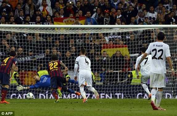 Ronaldo ghi bàn