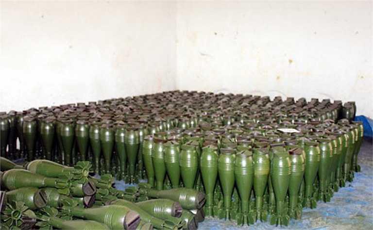 Đạn cối 60 sơn xong được hong, phơi cho khô sơn sau đó sẽ được cho vào hòm hộp, đưa vào kho bảo quản theo quy định của ngành kỹ thuật.