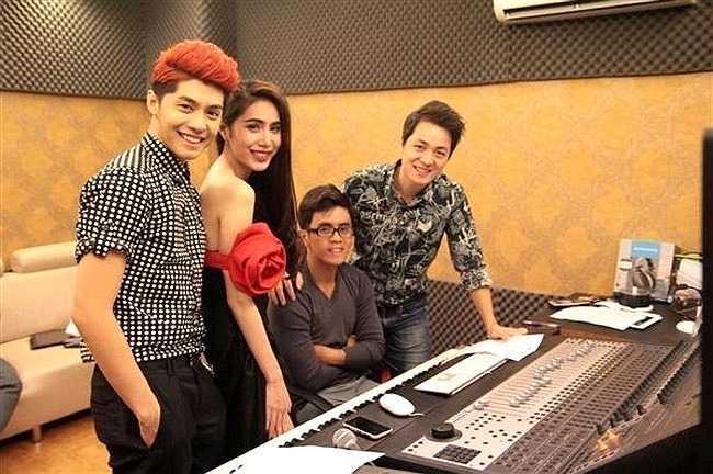 Noo Phước Thịnh, Thuỷ Tiên cũng thường thu âm các ca khúc của mình tại đây.