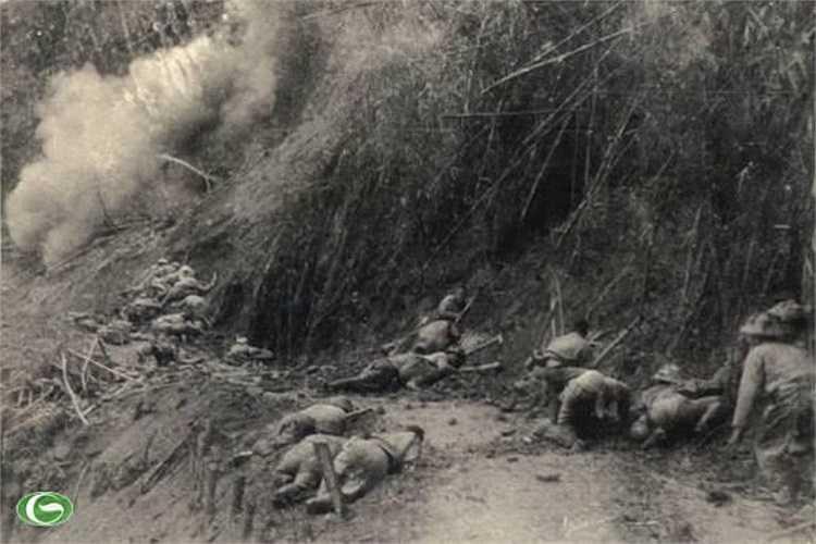 Ngày 13/3/1954, chiến dịch Điện Biên Phủ bắt đầu. (Trong ảnh: Những ngày đêm chiến đấu gian khổ, hy sinh trong chiến dịch Điện Biên Phủ)