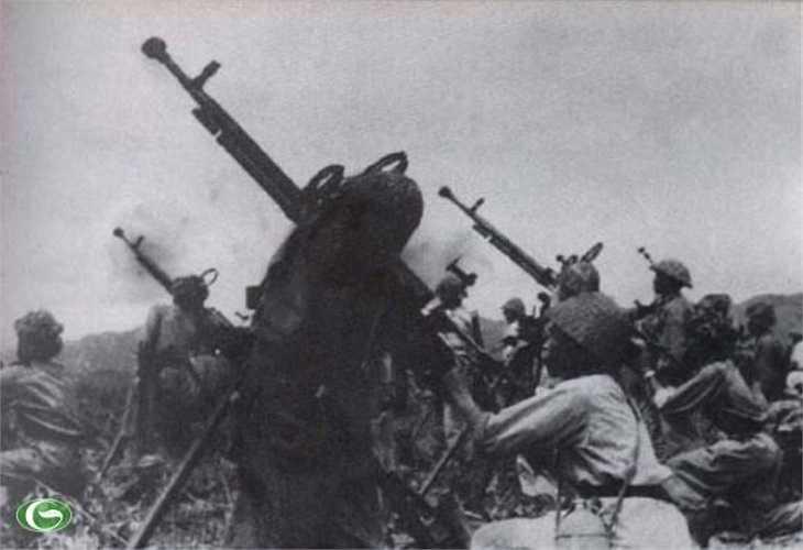 Các cỡ súng được huy động vào trận đánh quyết tử.