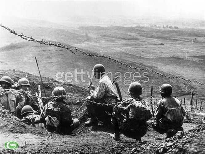 Quân đội viễn chinh thực dân Pháp bên kia chiến tuyến