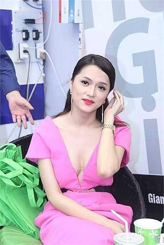 Đây là một sản phẩm âm nhạc mới của Hương Giang hứa hẹn nhiều bất ngờ.