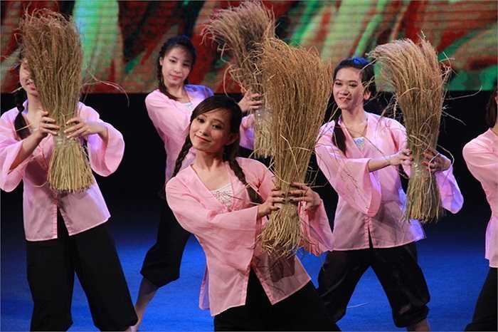 Chương trình có sự góp mặt của đội ngũ ban giám khảo danh tiếng như nhà báo Chu Minh Vũ; NSND Lan Hương; NSƯT Trần Xuân Thanh