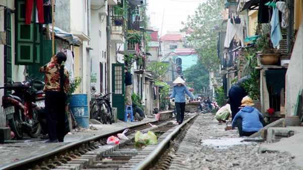 Đường sắt Việt Nam đã lạc hậu, giờ quan chức ngành lại dính nghi án nhận hối lội 16 tỷ đồng. Ảnh: Như Ý