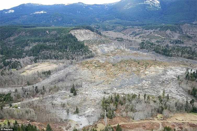 Lực lượng cứu hộ sẽ phải đối mặt với nguy cơ lở đất tiếp tục do bề mặt bùn không ổn định