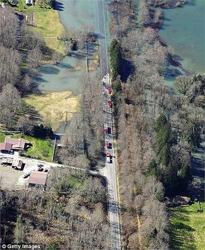 Những hình ảnh gây choáng về khu vực xảy ra thảm họa trước và sau khi nó ập đến